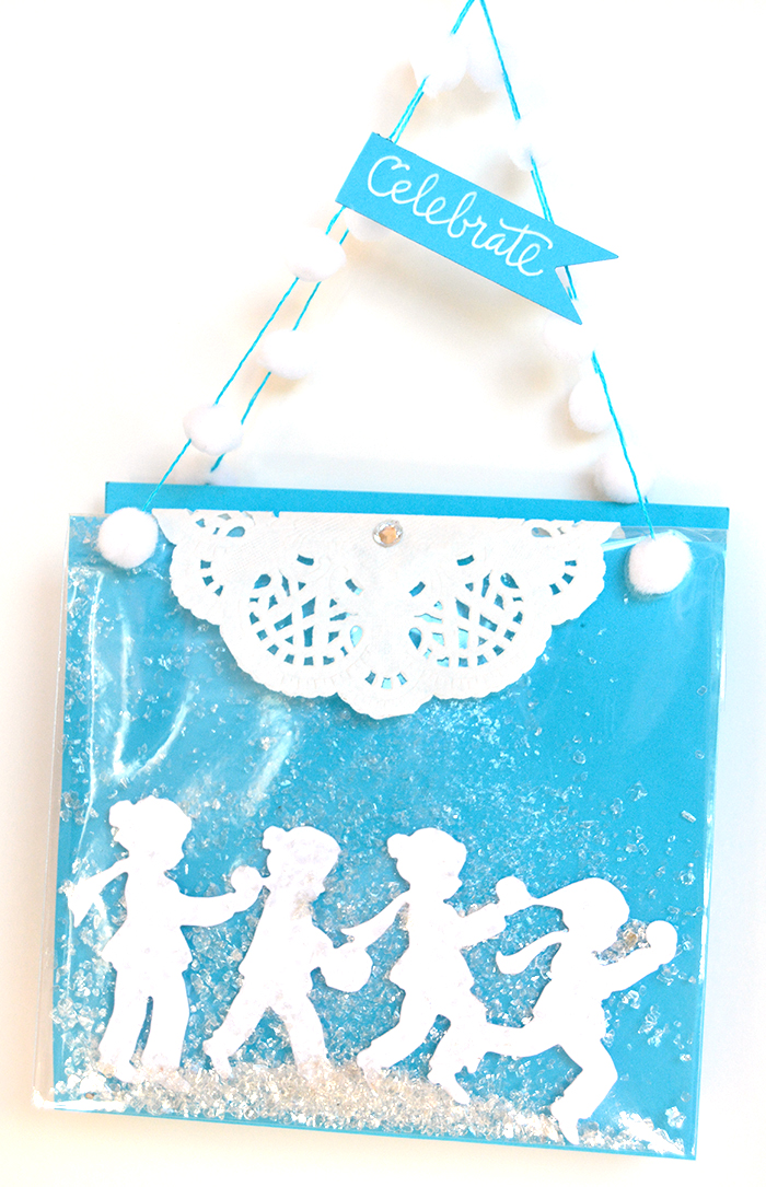 Quick Technique | Holiday Cookie Bag using S4-826 Snow Ball Die by Sharyn Sowell for Spellbinders. #diecutting #spellbinders