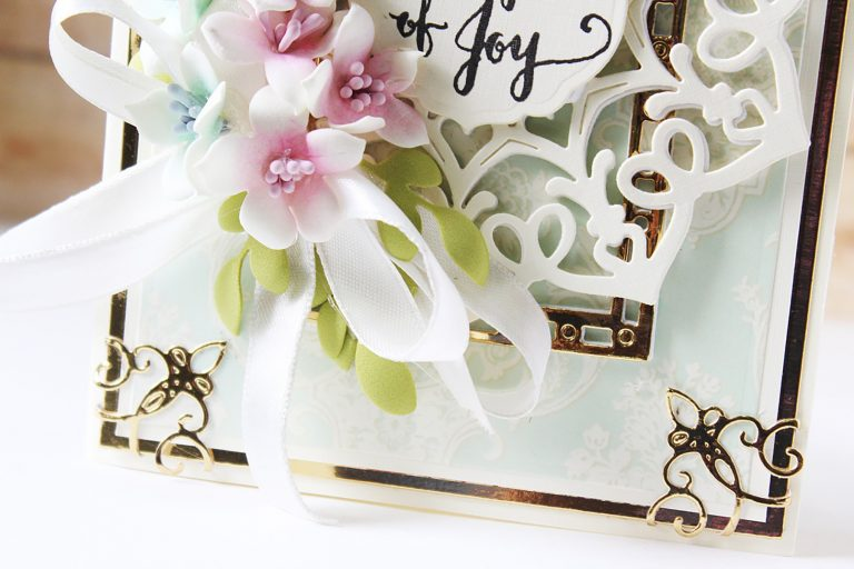 Spellbinders A Charming Christmas Collection by Becca Feeken - Inspiration | Tidings of Joy Card with Hussena
